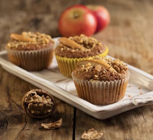 Muffins de desayuno con manzanas y nueces