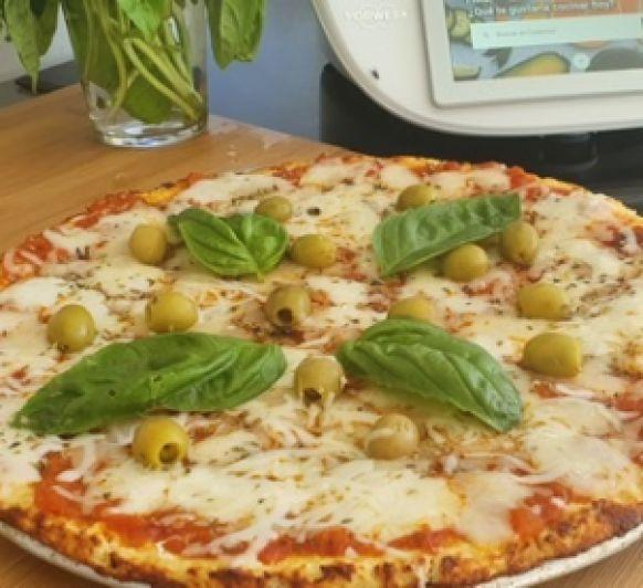 PIZZA CON BASE DE POLLO (SIN HARINAS, SIN GLUTEN)